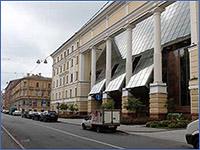 Общественно-торговый центр, фасадсостороныулицыКороленко