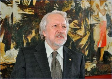 Иван Григорьевич Уралов Профессор СПбГУ и Академии художеств, член экспертного совета Всемирного клуба петербуржцев
