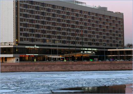 Гостиница «Санкт-Петербург», бывшая «Ленинград». Фото: Сергей Николаев